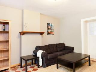 Spacious charming 2-br. + garden, Schaerbeek