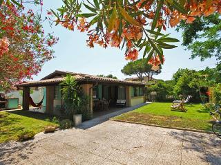 Villino con giardino a pochi metri dal mare, San Felice Circeo