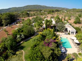 Stunning 6 bedroom (4 bathroom) villa with pool, Santa Eulalia del Río