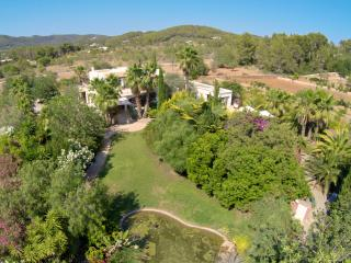 Beautifully presented 6 bedroom (4 bathroom) villa, Es Canar