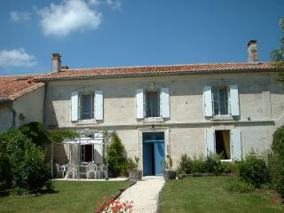 Holiday Cottage Charente Dordogne Border
