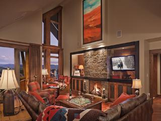 One Steamboat Place - Diamond Peak Penthouse - Ski-in/Ski-out Luxury, Steamboat Springs