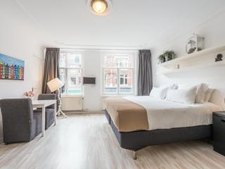 Great & comfortable studio in heart of Amsterdam, Ámsterdam