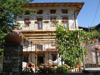 Appartamento accogliente in centro villaggio, St. Christophe