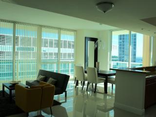 Gorgeous 2 Bedroom Luxury Condo in Brickell, Miami