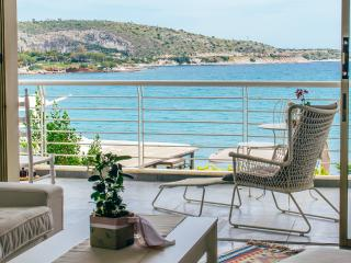 Enjoy Athen, Voulagmeni beachfront sea view, Vouliagmeni