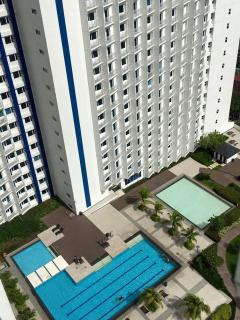 Exclusive pool for Tower A