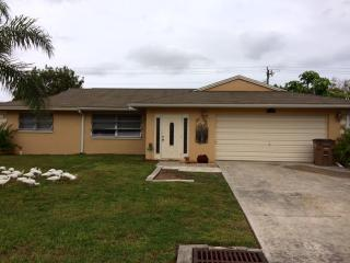 Gorgeous home in the heart of Cape Coral