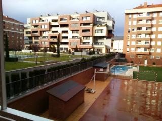 Piso en Logrono,garaje ,wifi ,piscina.