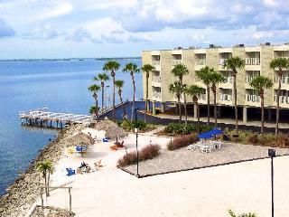 Directly on the sparkling waters of Tampa Bay,3 mi