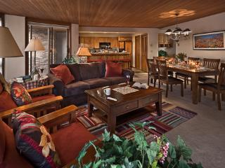 Chateau Chamonix : Dauphine - 2BR Slopeside Luxury, Steamboat Springs