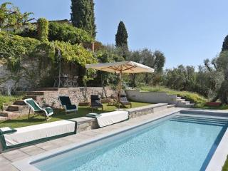 Villa I Cipressi with pool near to Forte dei Marmi