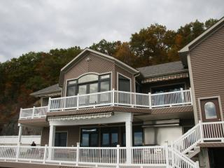 Lake Front Luxury -3800 sq. ft. on Cayuga Lake, Aurora