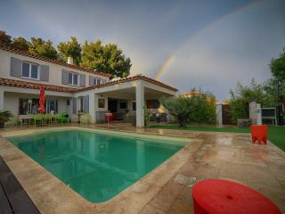 Superb 5 bedrooms heated pool bay view air cond, Le Lavandou
