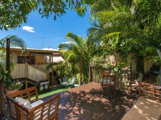 Cream Gables Bed And Breakfast- 2 persons per room, Brisbane