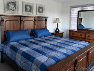 King-size Bedroom in Beachhouse near A.C. Casinos, Brigantin