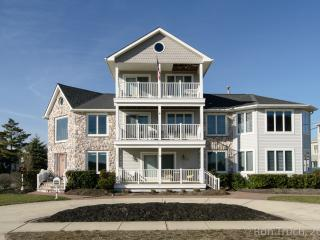 Classic Beach Home Short Drive To Atlantic City, Brigantine