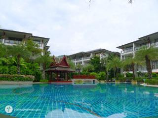 2 bedroom apartments in Pearl of Naithon, 50 meters away from the beach