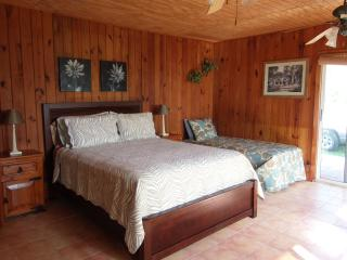 Hideaway Bahamas Beach Cottage, Freeport