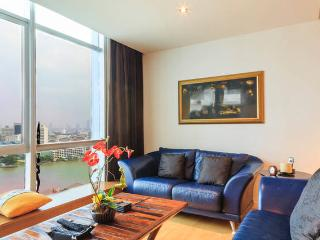 Dasiri Beautiful River view Apartment near BTS, Bangkok