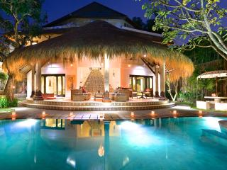 AMAZING VILLA JABALI - 5 bedrooms Central Seminyak