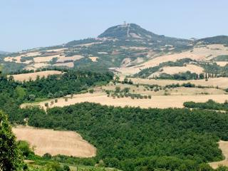 7 bedroom Independent house in Radicofani, Val d Orcia, Tuscany, Italy : ref 2307275