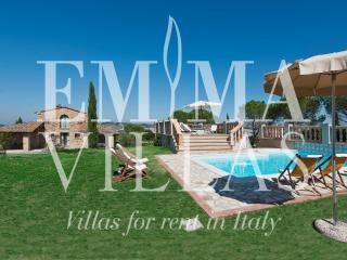 Casale Fienile 8 sleeps, Emma Villas Exclusive
