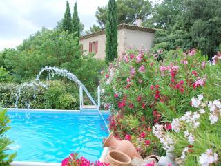 Chambres d Hôtes dans un Mas Provençal de Charme, Rognes