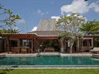 Heavenly 4 bedrooms Villa Amore, Kuta