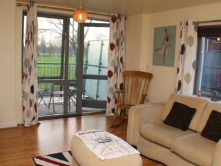 Fancy 2 Bed Apartment,Clapton(Zone 2), London, E5