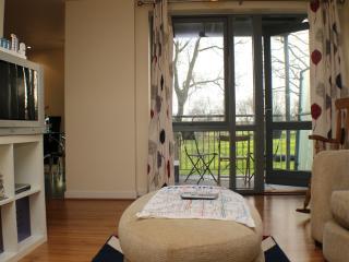Fancy 2 Bed!ParK View,River,CLAPTON,E5, London