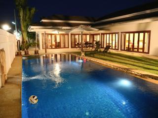 Thiva Pool Villa Hua-Hin
