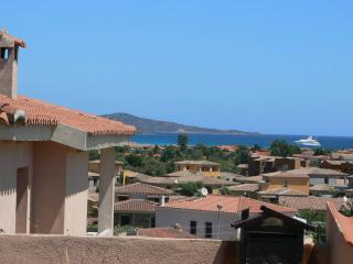 ST4 Amazing sea view house with garden in downtown, San Teodoro