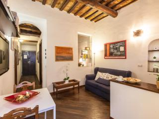 Characteristic Apartment In The Hearth Of Trasteve, Rome