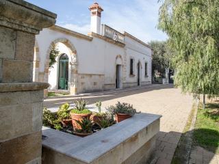 Villa Cotrino, Latiano