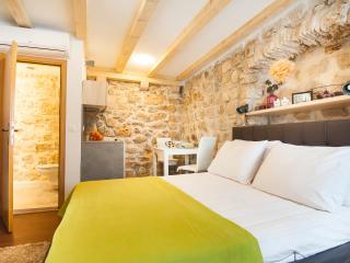 Pile apartment, Dubrovnik