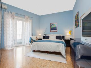 Vatican Apartment -  freeWIFI,TV SAT,AC,metro 250m, Roma