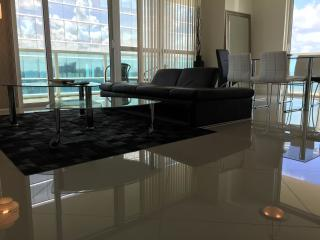 Classy Finished 2 Bedroom Apartment in Brickell, Miami