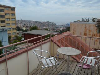 Beautiful Apt with in renovated Historic Mansion, Valparaíso