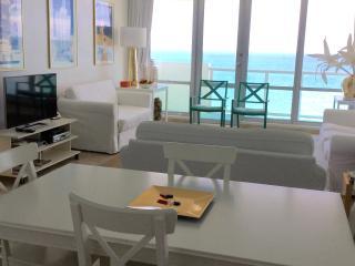 Ocean Front Village #15 - 1Bed / 2Bath, Miami Beach