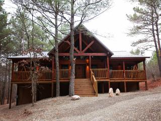 Tree Top Tango  Brand New Luxury Cabin 3 BR, 2 BTH