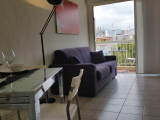 Nice holiday studio with balcon, wifi, Air C. 40 meters from the sea