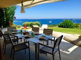 appartamento con giardino fronte mare