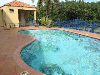 Terrazas del Golf garden apartment with WiFi, Cabo Rojo