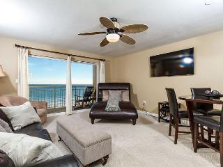 PI 407:Take a breather in this LUXURIOUS GULF FRONT 1BR!