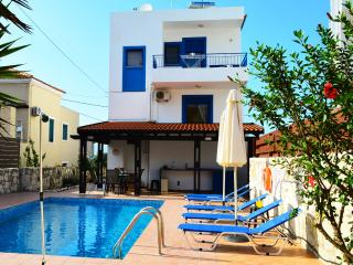 Villa private pool sea mountain view near Chania, Tavronitis