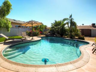 PX012  LUXURY 4BR, Pool & Golf! Sleeps 12!, Scottsdale