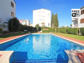 "Holiday apartment by the beach Riells at L""Escala"