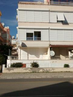 2 Bed Apartment, close to Altinkum Beach., Didim