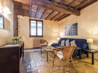 Large Elegant Apartment Piazza Navona, Roma
